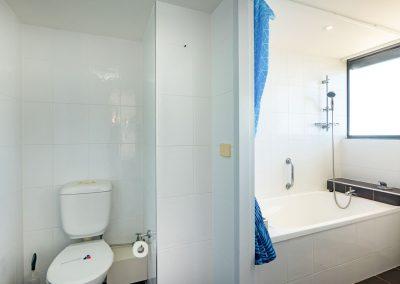 Broadwater Accommodation Bathroom