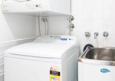 Broadwater Accommodation laundry facilities