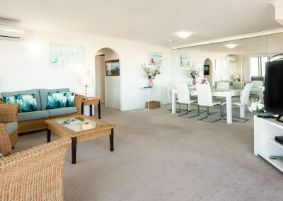 Broadwater Shores Living and Dining Area