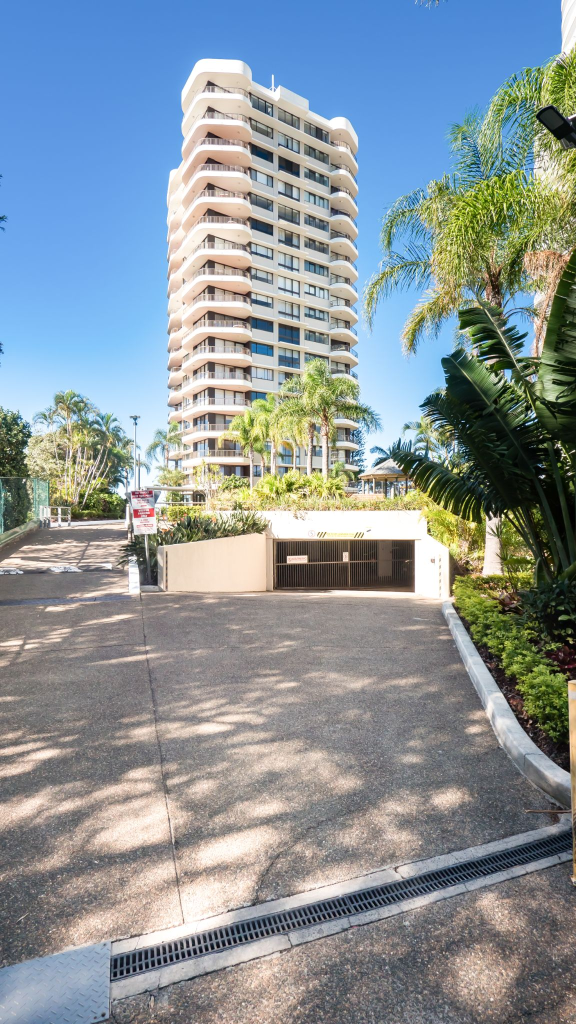 Broadwater Shores free secure parking