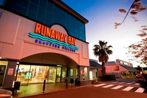 Shopping Near Broadwater Shores